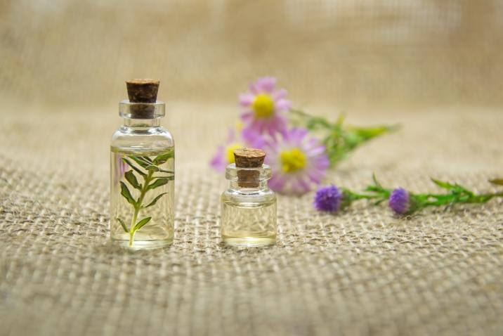 Aromatherapy oils and flowers