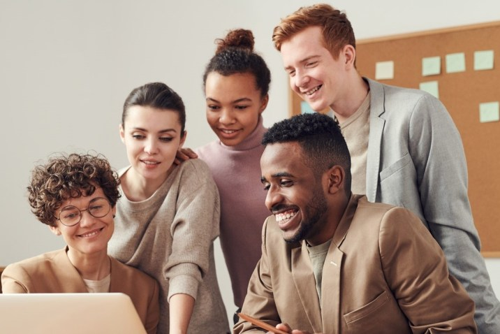 Happy people at work - Soul in the Workplace