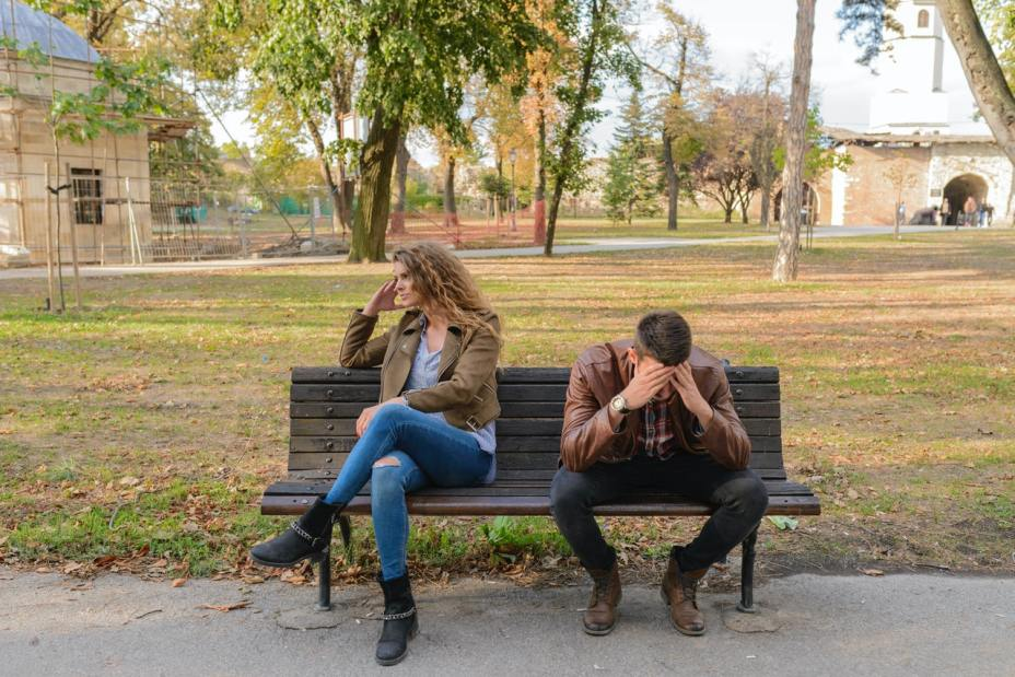 Couple on a bench - Jealousy in relationship